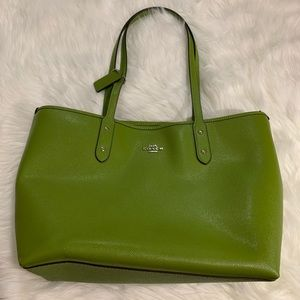 COACH tote bag !!! 100% auth , 99% new !!